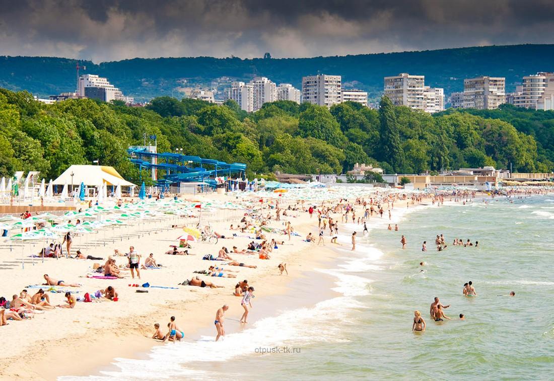 Туристы принесли Болгарии €193 млн дохода