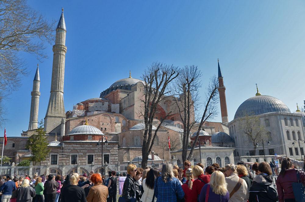Стамбул: туристы впервые превысят численность населения
