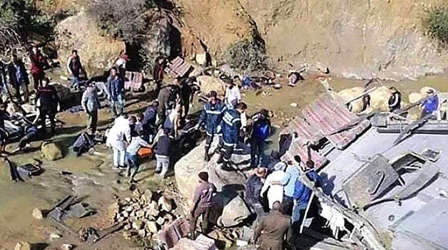 В Тунисе разбился экскурсионный автобус погибло 24 туриста