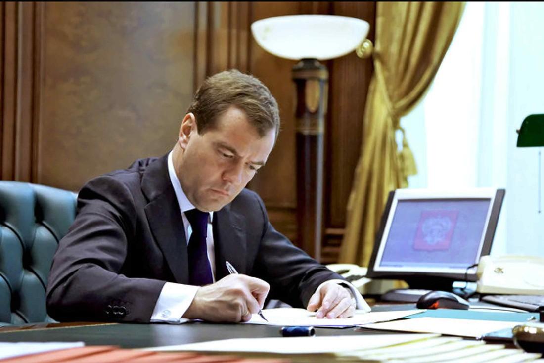 Медведев выделил наразвитие Крыма 310 млрд руб.