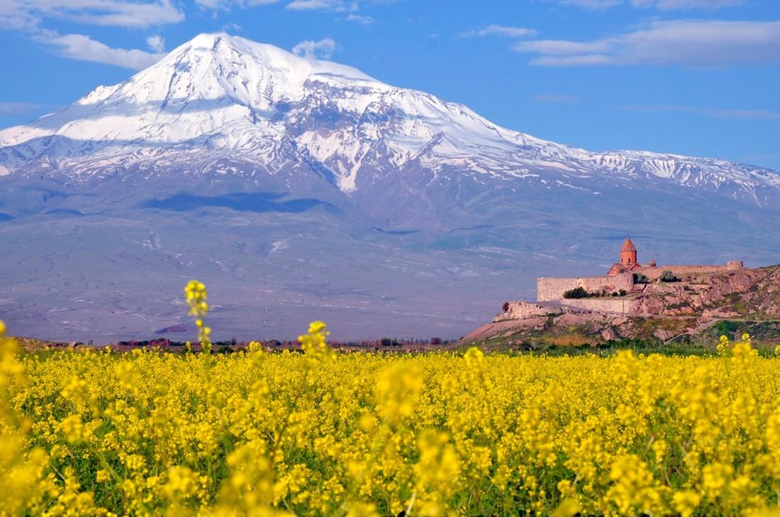 От запрета Грузии для российских туристов выиграет Армения