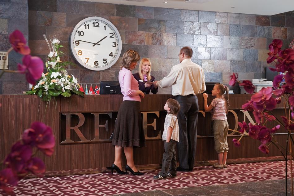 11 ошибок туристов, более всего раздражающих сотрудников отелей
