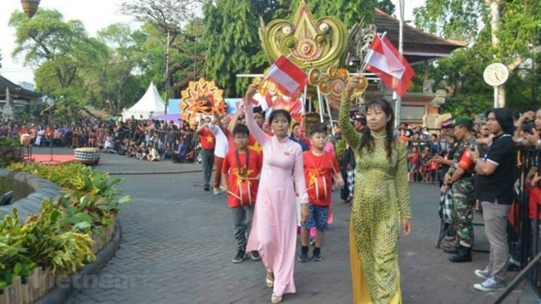 Как вьетнамский туризм проникает в Индонезию?