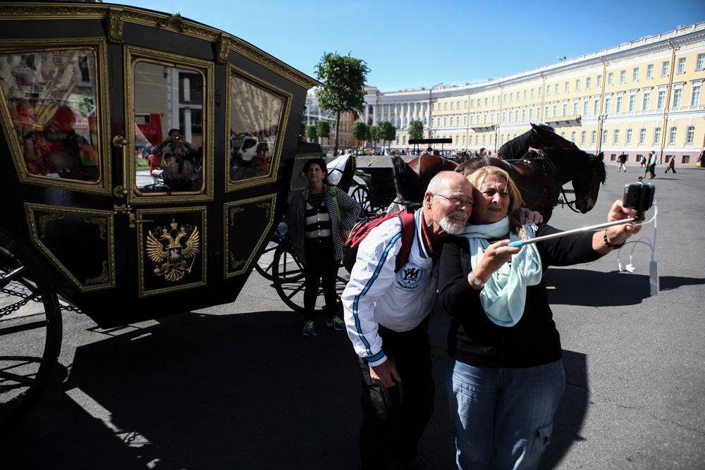 Туристический сбор с иностранцев в Петербурге введут с 2021 года